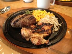 食べ放題のハンバーグ&チキン